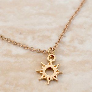 Jewelry - Good Vibes Only Gold Sun Necklace